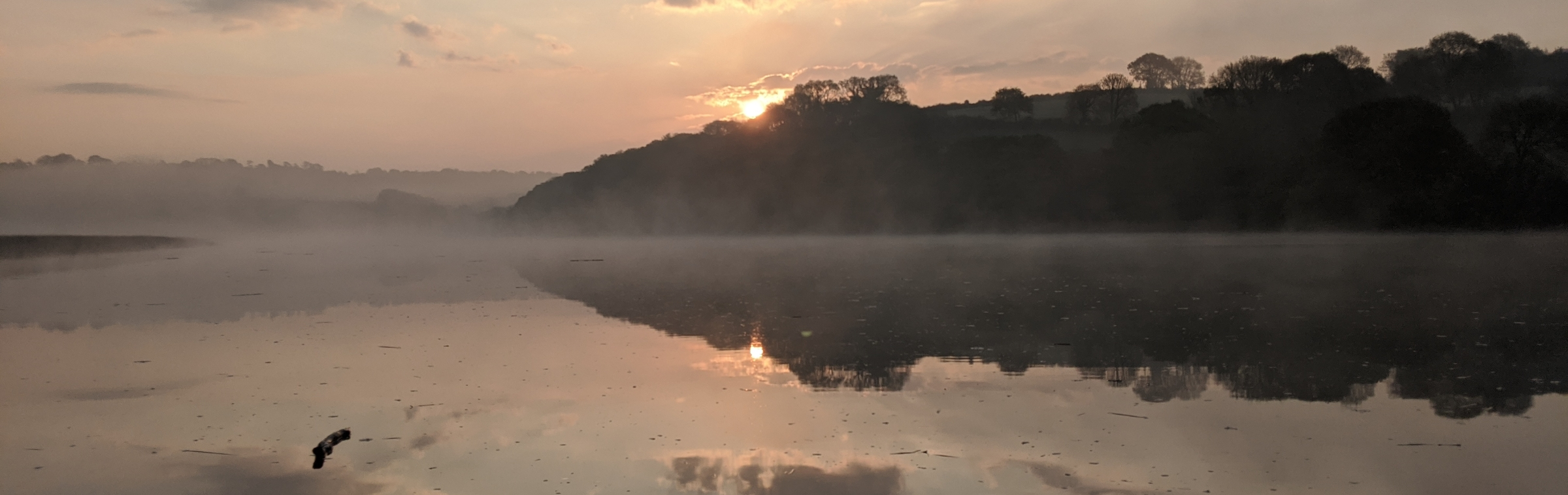 Paddleboarding the Tamar estuary on an early winter morning. Photo: C Braungardt 2021